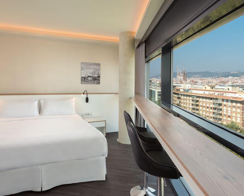 APARCAR, DORMIR I MENJAR   Four Points Barcelona